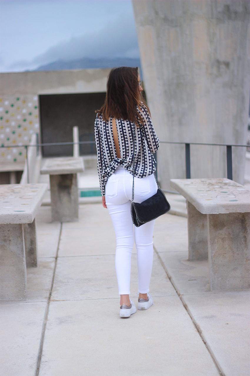 blouse-dentelle-décolletée-dos