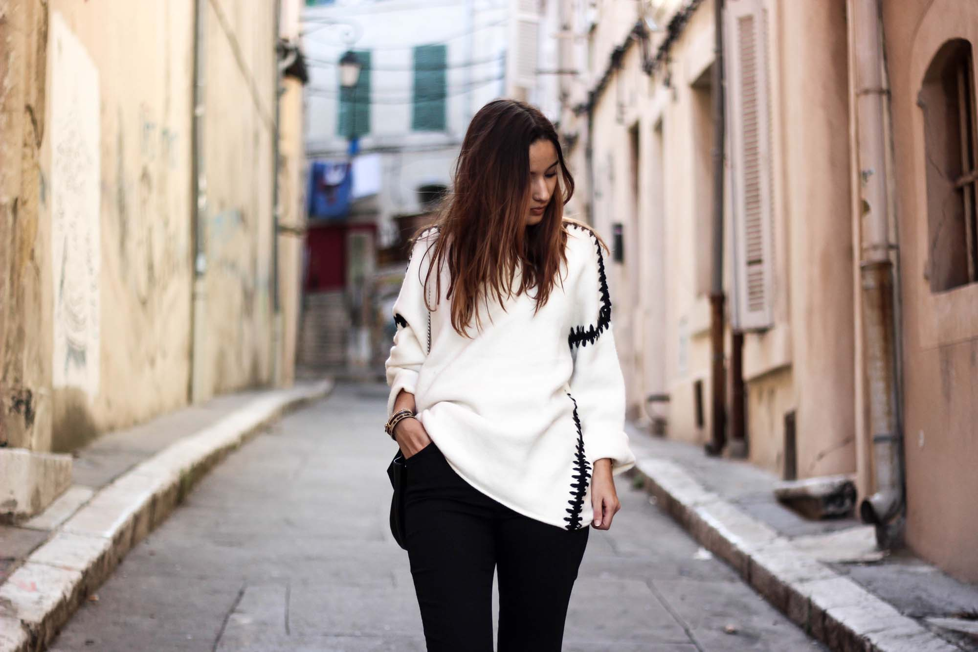pull-noir-blanc-zara